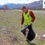 پاکسازی زباله ها توسط همرکابان سبز